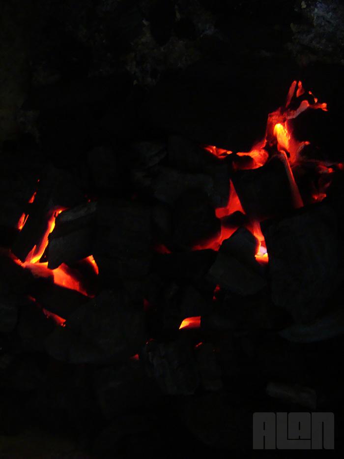 Fogo e brasa (foto: Alan Corrêa)